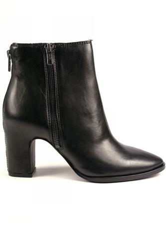 Farah Black Leather, ASH
