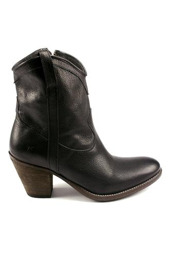 Taylor Short Black, FRYE - since 1863